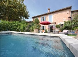 Hotel Photo: Holiday Home Cheval Blanc Chemin Du Milieu