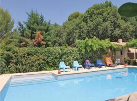 Hotel Photo: Holiday Home Mazan Chemin Des Teyssiéres II