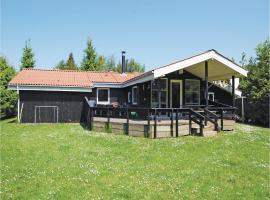 Hotel Photo: Holiday home Pøt Strandby Dnmk I