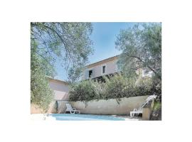 Hotel Photo: Holiday Home Roussillon Chemin De La Mutte II