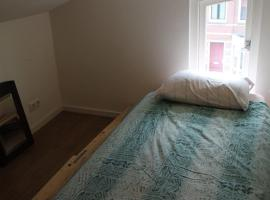 Hotel Photo: bussum room on the top