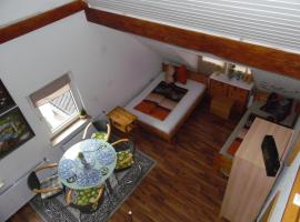 A picture of the hotel: 2-Zimmer-Maisonette-fuer-6-Personen