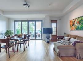 3 Br, 2 bathroom, one living room Loft near Kreuzberg