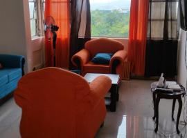 A picture of the hotel: Malia's New Kgn Apartment