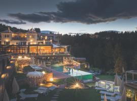Hotel Photo: Hotel Albion Mountain Spa Resort Dolomites