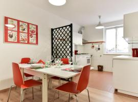 Red & White Vatican Apartment Rome Italy