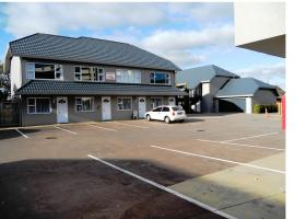 Hotel near Palmerston North airport : Carramar Motor Inn