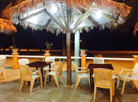 A picture of the hotel: Hotel y Restaurante Colonial Playa