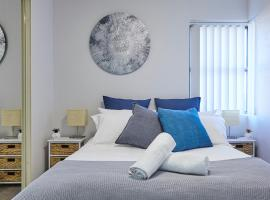 A picture of the hotel: Dee Why Bliss - Bright and Airy 2 bed apartment