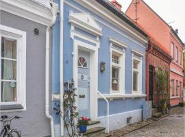 Hotel Photo: Three-Bedroom Holiday Home in Ystad