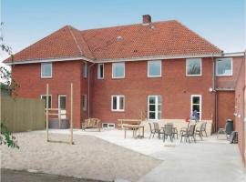 Hotel Photo: Twelve-Bedroom Holiday Home in Bredebro