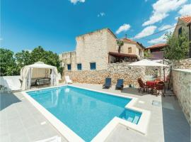Hotel Photo: Holiday Home Jezera 05