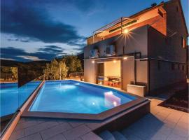 Hotel Photo: Four-Bedroom Holiday home Kastel Novi with an Outdoor Swimming Pool 02