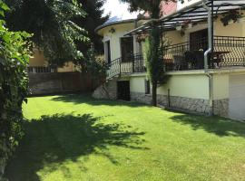 A picture of the hotel: Palma Villa in City Park Budapest