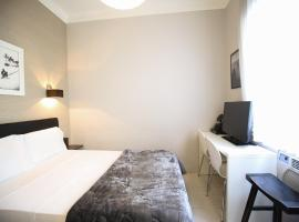 Hotel Photo: Ria12 Charming Studio Leblon