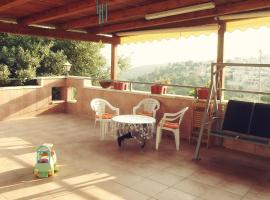 Hotel Photo: Sweet Home in Jerusalem Mountains