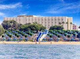 A picture of the hotel: Bin Majid Beach Hotel