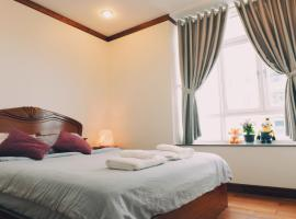 Hotel Photo: Master BR Suite in SG Center