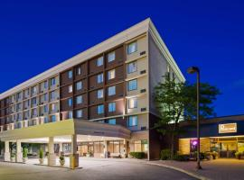 A picture of the hotel: Best Western Plus Toronto Airport Hotel