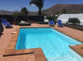 Hotel photo: Villa Lucky - Heated Pool