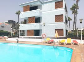 A picture of the hotel: Apartamento Cisne Playa Del Ingles