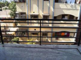 A picture of the hotel: 3-BR apartment for group stay, by GuestHouser