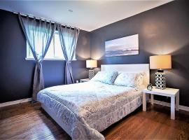 Hotel Photo: Lavish Suites - Four Bedroom Guest House - North York