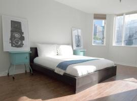 Hotel photo: Retro 1 bedroom apartment at downtown core