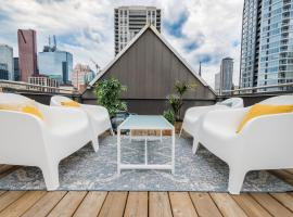 Hotel photo: Roof Top Cozy Studio with Huge Patio in Downtown