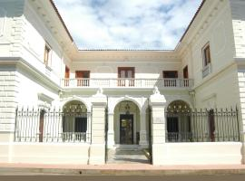 A picture of the hotel: Hotel la Perla Leon