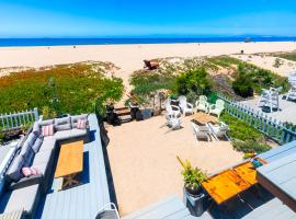 Hotel Photo: SB-171 - Sunset Beachfront Views Four-Bedroom Holiday Home