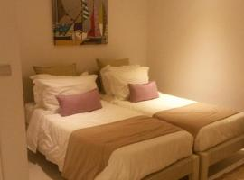 Hotel Photo: 2 BDR charming apartment, West Island Resort