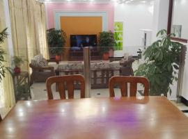 Hotel Photo: 500SQM Villa close to Disney and Putong Airport