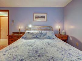 Hotel Photo: Tranquility on Teaberry Lane