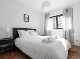 Hotel Photo: Galantes - Downtown 2 Rooms Flat w/ Garage
