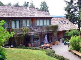 The Longhouse Bed & Breakfast Mitchell Bay USA