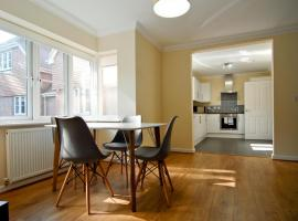 Hotel Photo: Room and Roof Southampton Serviced Apartments