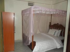 A picture of the hotel: COMFORT 5