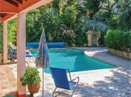 Hotel photo: One-Bedroom Holiday Home in Colares, Sintra