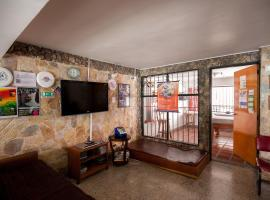 Hotel Photo: Hostal medellin