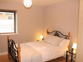 Hotel Photo: Penthouse Apartment Waterford (W410)