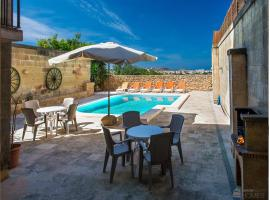 Hotel Photo: Ta Martinu Holiday Home