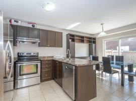 Hotel Photo: Huge 3 Bedroom Home Perfect For Your Stay