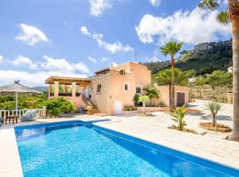 Hotel photo: Family villa with amazing views of Es Cubells and Formentera close to the sea