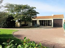 Hotel photo: Ferienhaus St. Pierre d'Oleron 135S