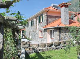 Hotel photo: Dinis Country Cottage by OurMadeira
