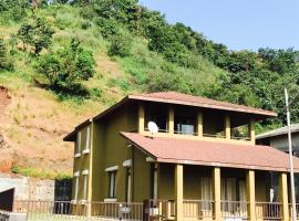 A picture of the hotel: Fully Furnished Lake View Villa