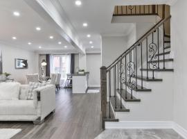 A picture of the hotel: QuickStay - Stunning 4bdrm House in Vaughan