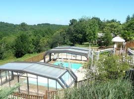 Hotel Photo: Camping Les Charmes