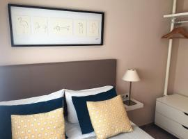 Hotel Photo: Apartamentos Plaza Picasso